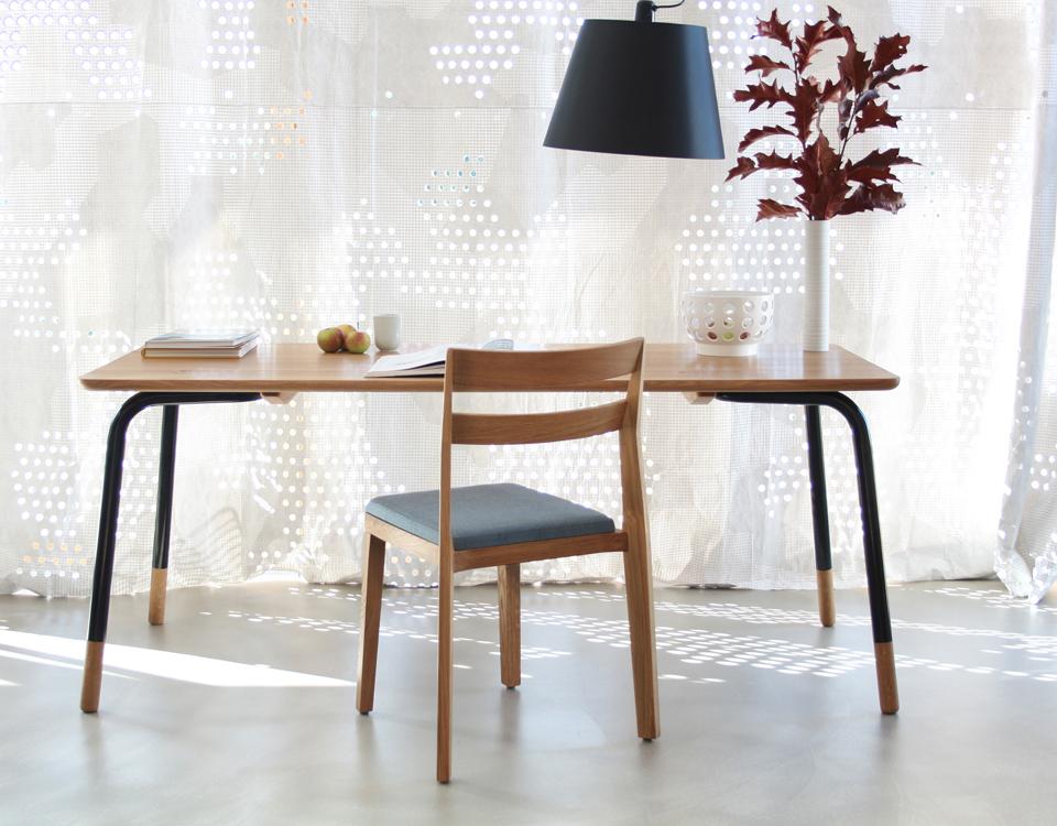 Ansicht Tisch Eiche und Stuhl_rg