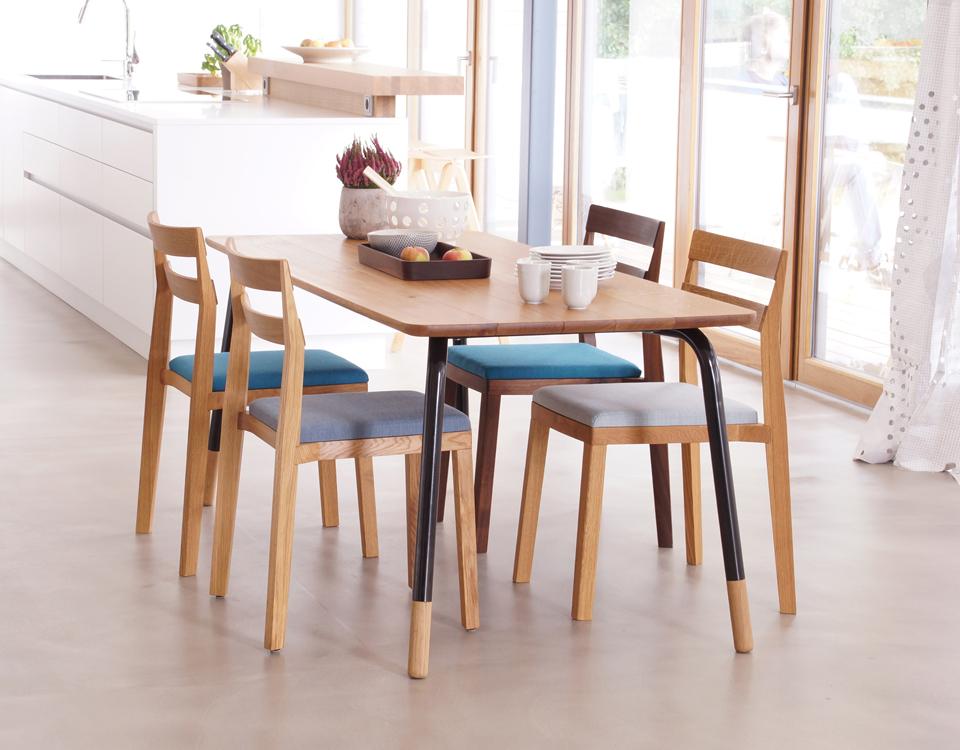 Ansicht Tisch Eiche und Stühle_rg